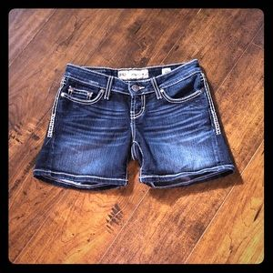 BKE Buckle Madison jean denim shorts